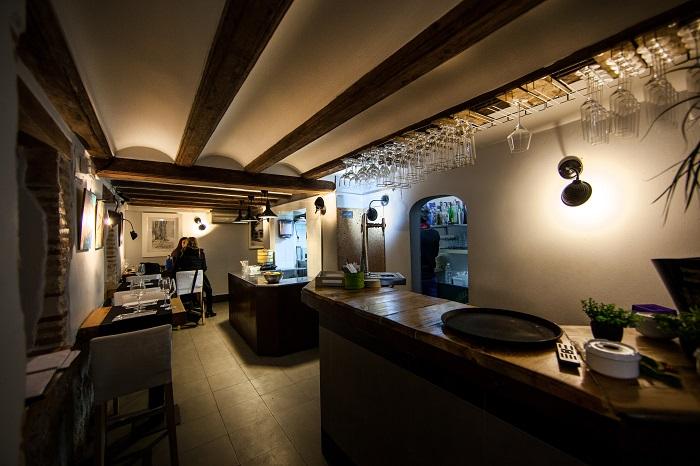 Instalaci n restaurante la comisaria barrio del carmen for La comisaria restaurante valencia