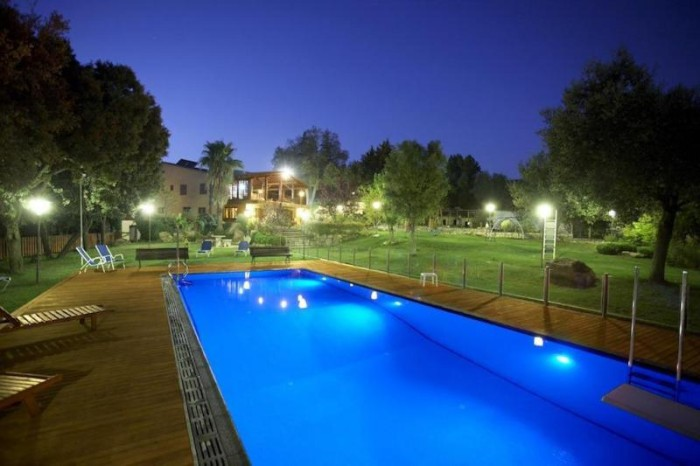 piscina iluminación halogena